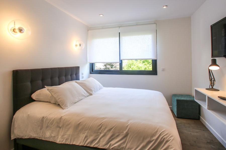 le grand bleu. Black Bedroom Furniture Sets. Home Design Ideas